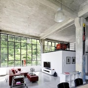 Loft Apartment 160 m2 in Factory Style in a Bauhaus Monument for 6