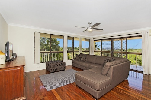 Kingscliff Holiday Home On The Hill - Syd's View
