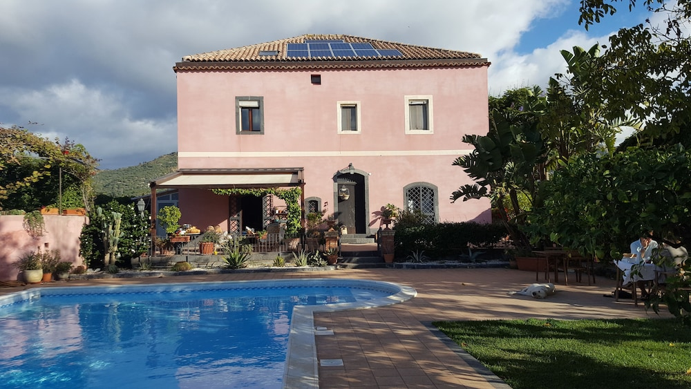 Il giardino segreto b&b in taormina coast hotel rates & reviews on