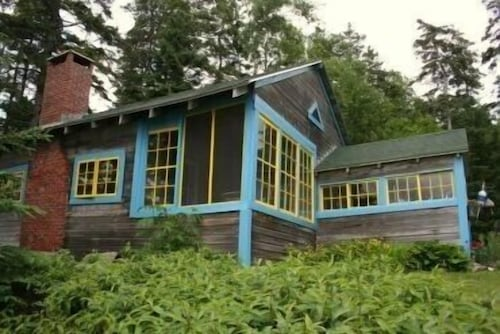 Great Place to stay Trivet - One Bedroom Home near Deer Isle