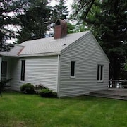 Tyler Point Cottage - Three Bedroom Home