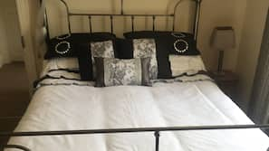 Iron/ironing board, free rollaway beds