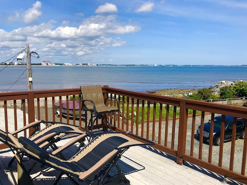 Cape Cod Style Oceanfront Cottage, Decks,near Boston, Train, Airport,