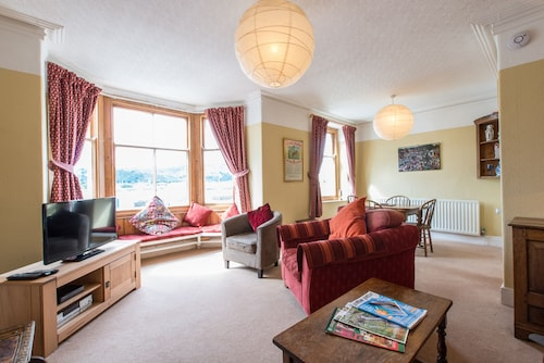 Glorious Views And Elegant Comfort In One Of North Wales's Best Kept Secrets