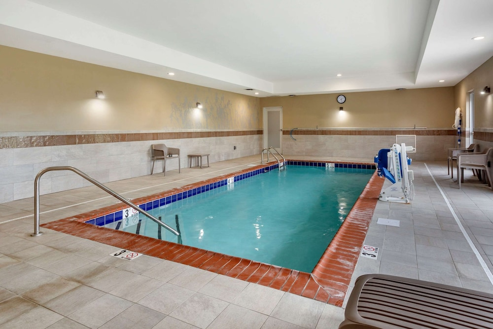 Pool, Sleep Inn & Suites