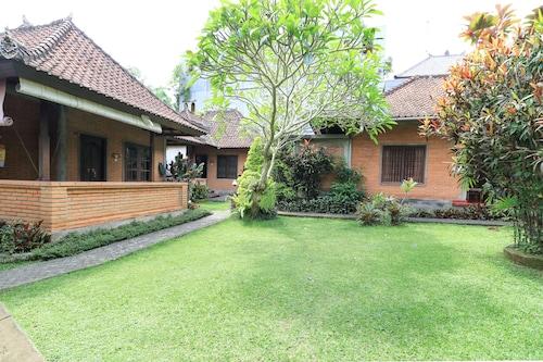 Sunarta House Home Stay