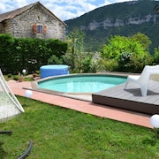 House With one Bedroom in Mostuéjouls, With Pool Access, Enclosed Garden and Wifi