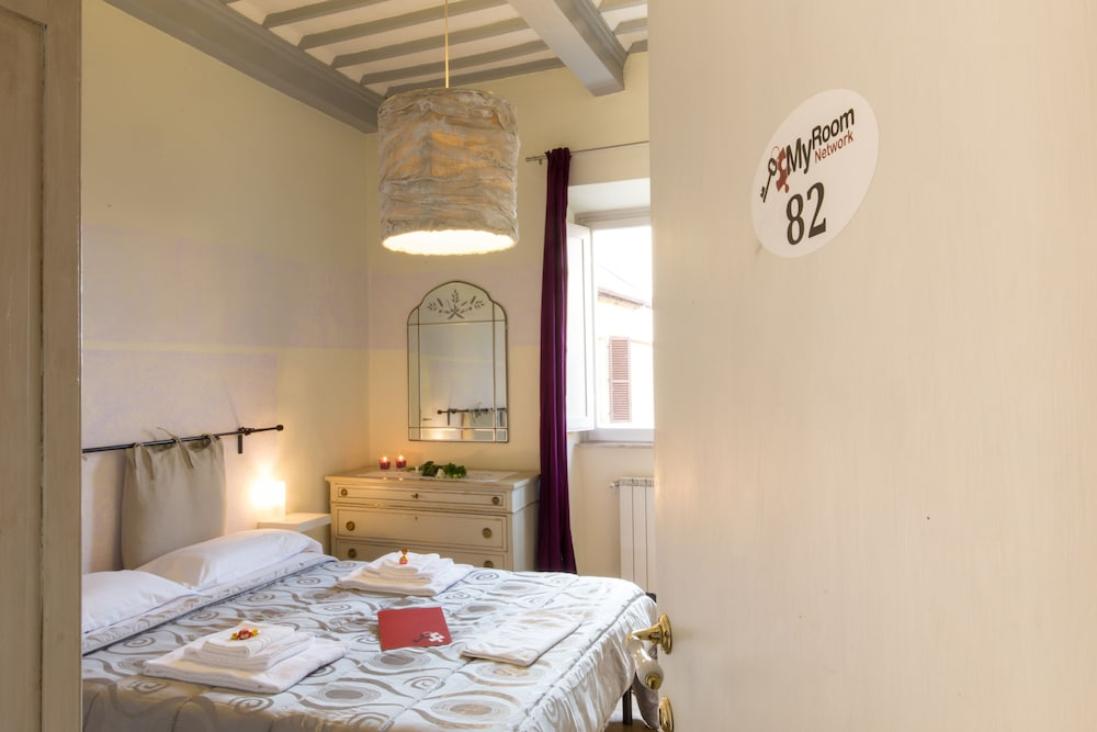 Pleasing Myroom Old Town Arezzo Arezzo Hotelbewertungen 2019 Download Free Architecture Designs Remcamadebymaigaardcom