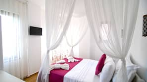 Premium bedding, minibar, free WiFi, linens