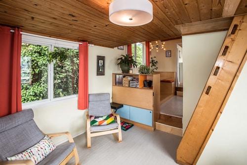 Great Place to stay Luxury Houseboat Best in Seattle 3BR near Seattle