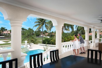 Crown Villas 6 bdrm - All Inclusive