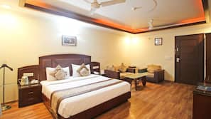 9 多间卧室、记忆海绵床垫、遮光窗帘、免费 WiFi