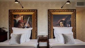 1 bedroom, premium bedding, memory-foam beds, in-room safe
