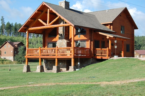 Deluxe Accommodations In The Heart Of The Black Hills