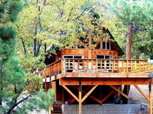 Family Getaway Best Cabin Special Location Walk to Golf