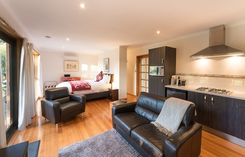 376cf6d1f Kettering Accommodation - Top Kettering Hotels 2019