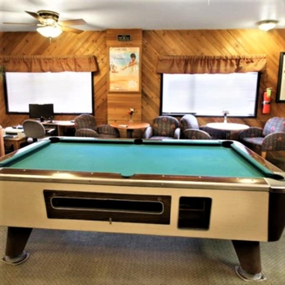 Billiards, Snow Lake Lodge