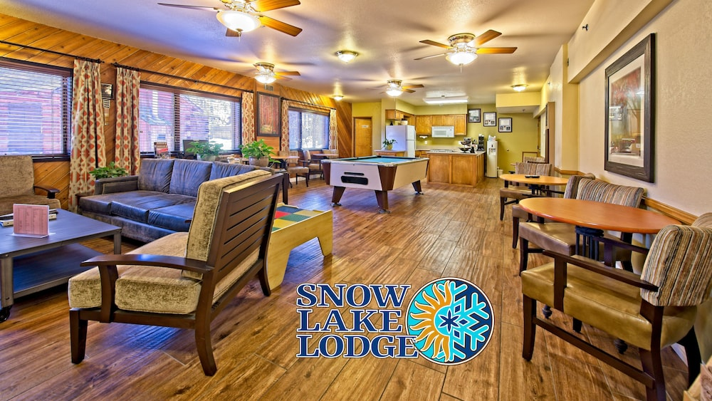 Lobby, Snow Lake Lodge