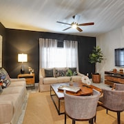 2.5 Miles To Disney/resort Amenities/private Pool/free Wi-fi/townhome