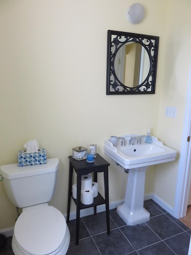 Bathroom, Great Summer Value. Clean, Cozy Cottage