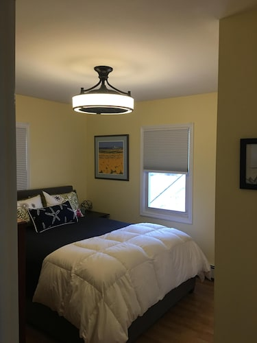 Room, Great Summer Value. Clean, Cozy Cottage