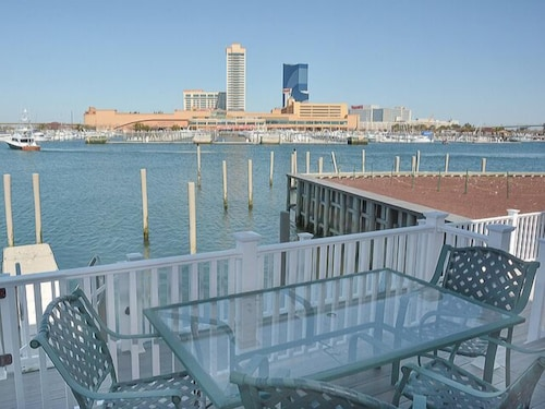 ALL Rooms Waterfront/casino View ON THE Most Exclusive Marina IN NEW Jersey