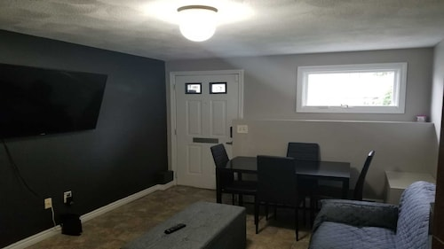 PVD In-law Apt Mins to Downtown & Colleges