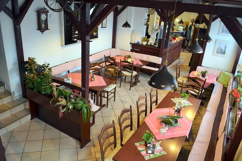 Pension Dessauer Hof In Halle Hotel Rates Reviews On Orbitz