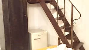 Minibar, bureau, lits bébés (en supplément)