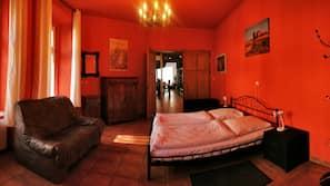 Zimmersafe, Schreibtisch, WLAN, Bettwäsche