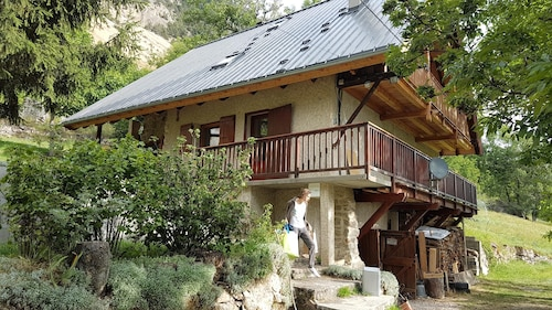 Apartment With 2 Bedrooms in L'argentière-la-bessée, With Furnished Garden - 20 km From the Slopes