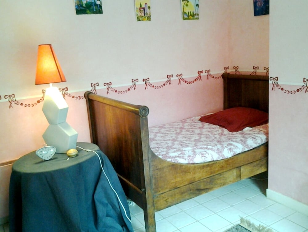 Property With 2 Bedrooms in Saint-étienne-de-maurs, With