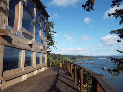 World Class Trinidad Bay I Harbor Ocean Views I Trail To Old Home Beach I Groth