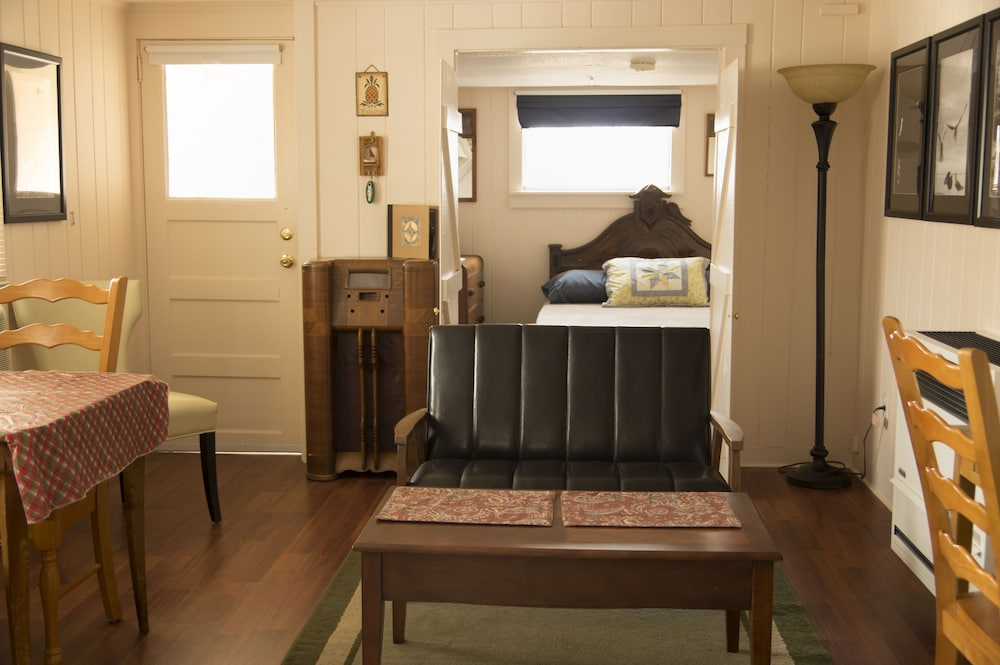 Cozy Affordable East Haven Sline Area Cottage Short Drive To Town Beach In New Hotel Rates Reviews On Orbitz