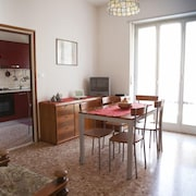 Comfortable Apartment in the Heart of Verona - Well Connected With Venice Free Wifi