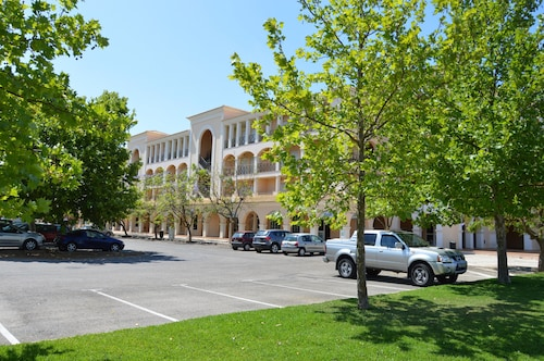 Hotels Near Vilamouratenis Center, Vilamoura - Top 10 Hotels by ...