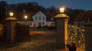 Overnatningsstedets indgangsparti