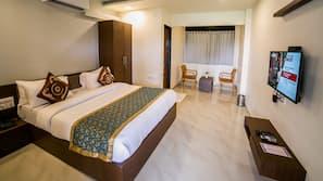 1 bedroom, blackout drapes, free WiFi