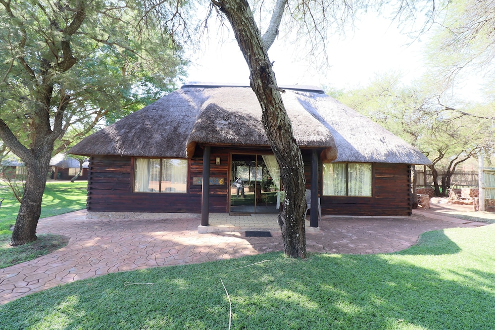 Exterior, Kwalata Game Lodge