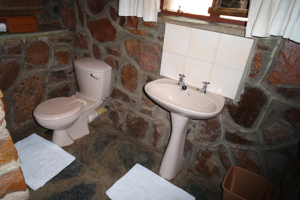 Bathroom, Kwalata Game Lodge