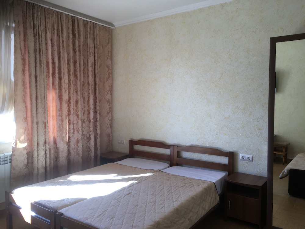 Room, Antonina Guest House