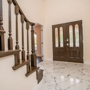 10B 9BA Mansion Sleeps 22 with Pool&Spa