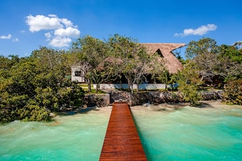 Mia Bacalar Luxury Resort & Spa