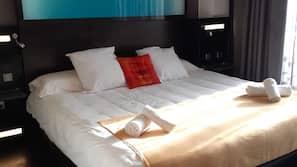 2 dormitorios, cortinas opacas, sistema de insonorización y wifi gratis