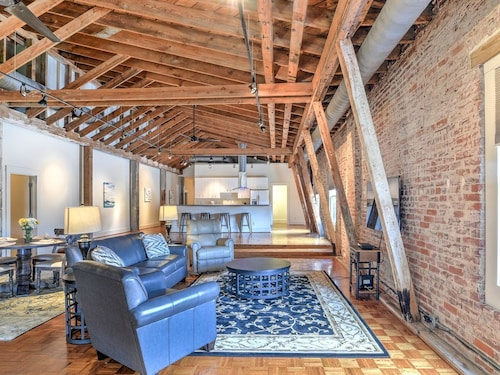 Great Place to stay Amazing Loft In The Heart of Downtown Asheville! near Asheville