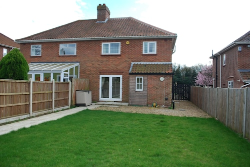 Stafford House - 3 Bedroom Detached House