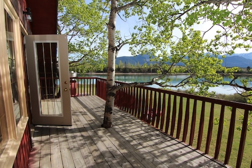 4 Bedroom Kananaskis Ranch on Bow River Bbq, Balcony + Billiards