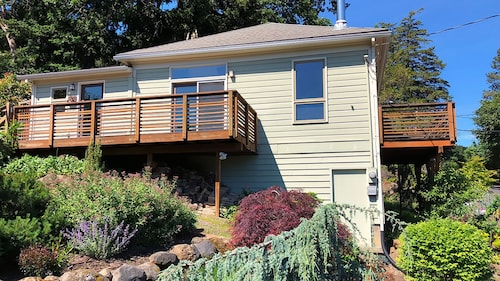 Hood River Gorge View Cottage 3 Minute Walk To Town The Perfect Getaway