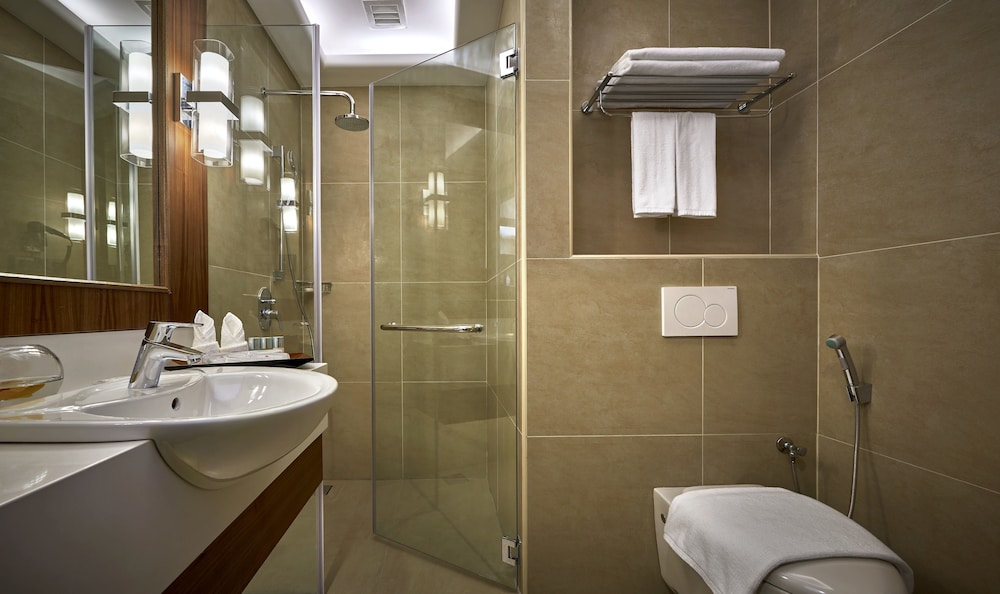 Bathroom, The Wembley A St Giles Hotel Penang