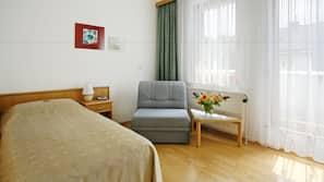Minibar, desk, cribs/infant beds, rollaway beds